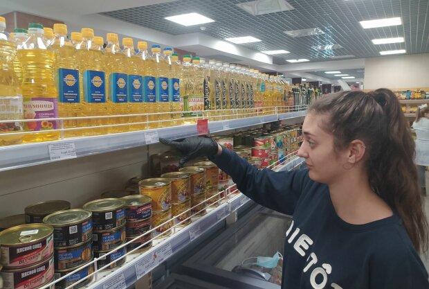 """Эксперт о ценах на подсолнечное масло в Украине: """"Нет конкуренции, вот и творят, что хотят"""""""