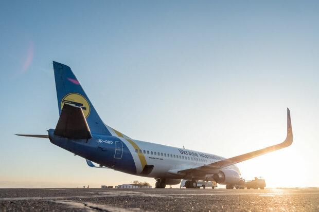 МАУ может прекратить полеты: крупнейший авиаперевозчик Украины оказался в долговой яме — СНБО