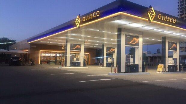 Ездить будет дешевле? Снижены предельные цены на бензин и дизтопливо
