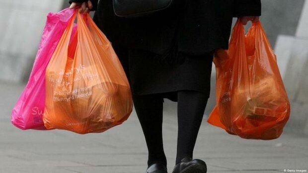 Экология и закон: украинцев будут штрафовать за пластиковые пакеты