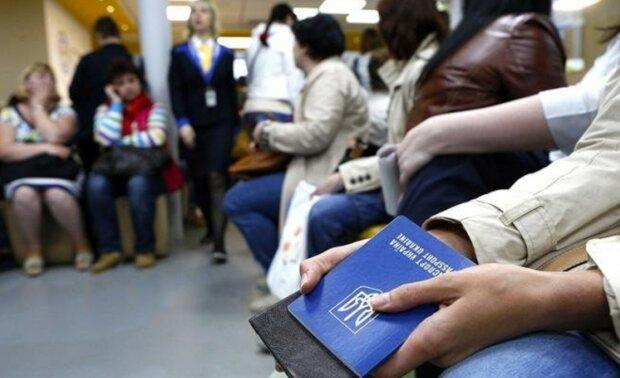 В Польше работают полтора миллиона украинцев: налоги платит только треть — статистика