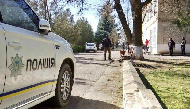 В Херсонской области душевнобольной убил полицейского и ранил медика