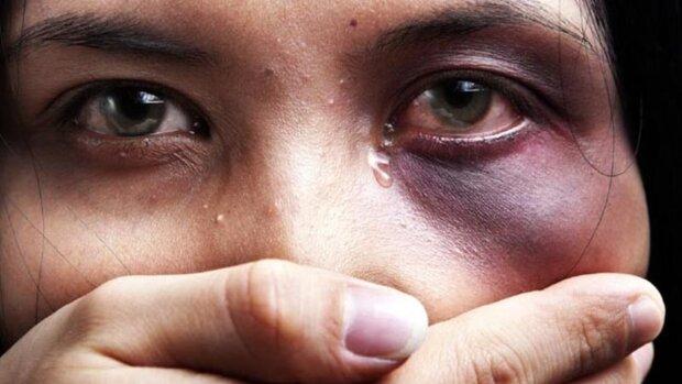 Бьет — значит уголовник: Рада усилила ответственность за домашнее насилие