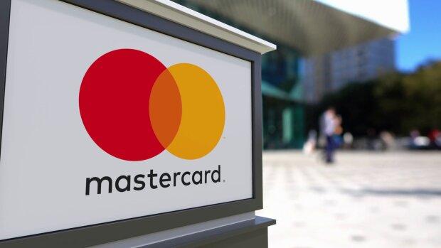 Mastercard откажется от выпуска карт с магнитной полосой — безнадежно устарели