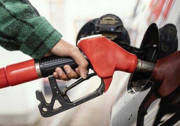 На АЗС рекордно подорожал автомобильный газ